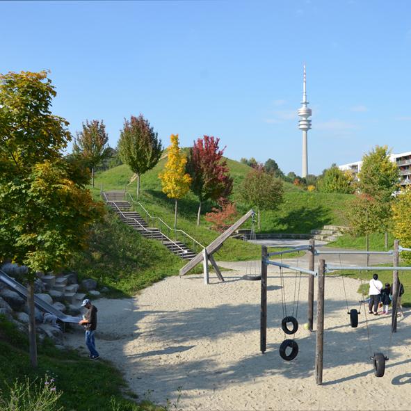 Ackermannbogen – Rodelhügel mit Erdspeicher & Quartiersplatz